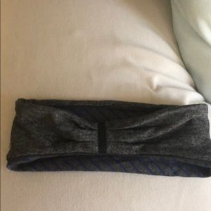 lululemon athletica Accessories - Reversiable thick headband